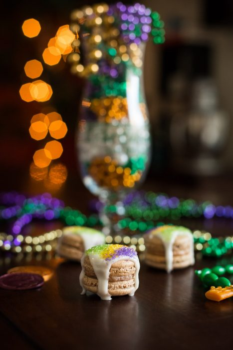 King Cake Macarons for Mardi Gras