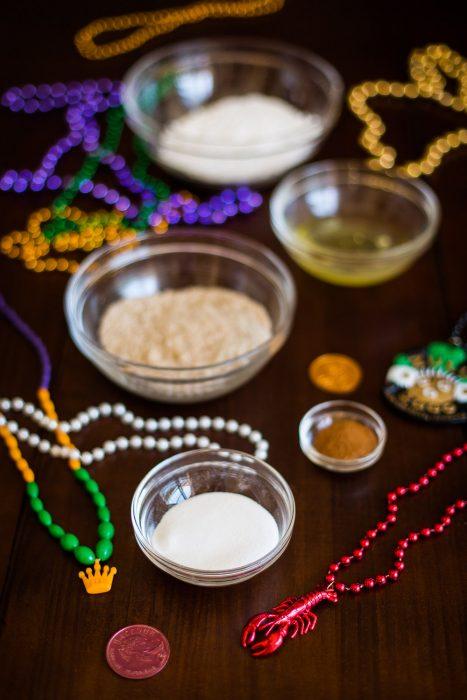 King Cake Macarons for Mardi Gras